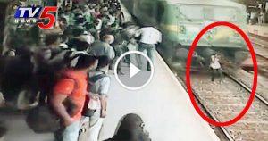 Train Hit accident mumbai girl survives run over 2